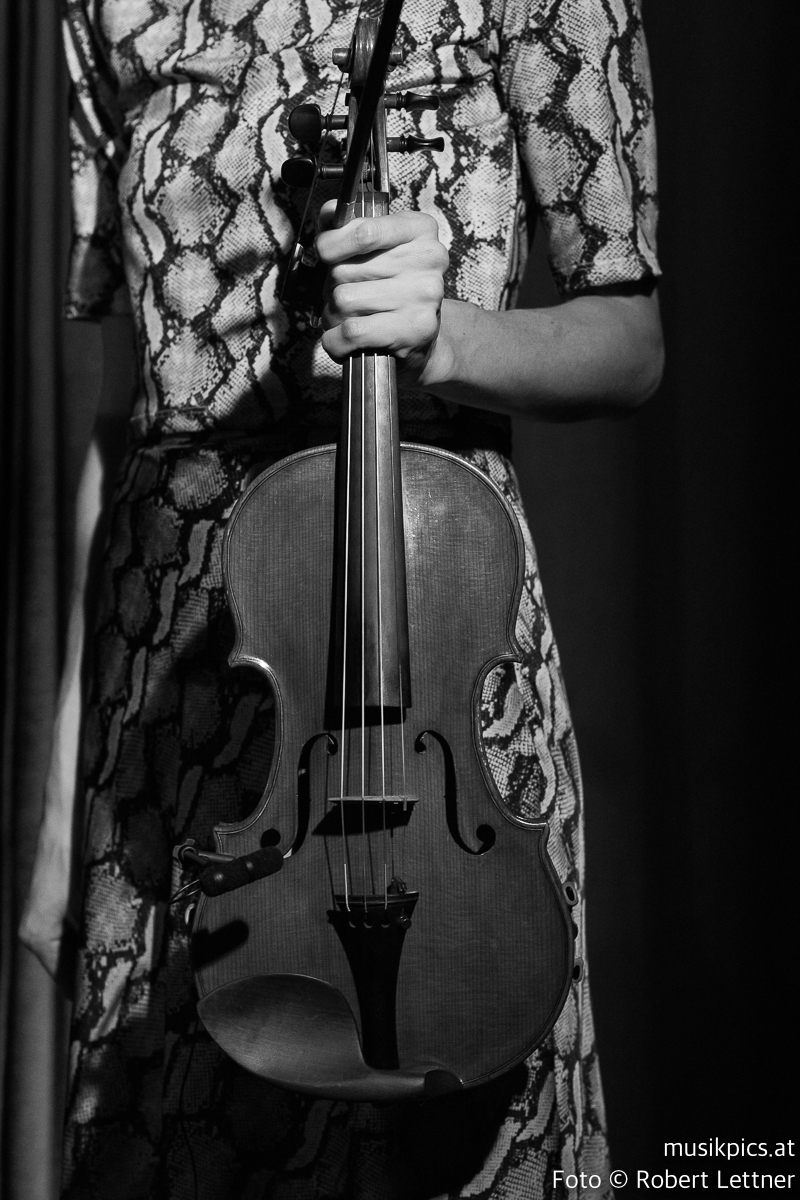 Robert-Lettner-Musikpics-Live-Music-Photography-Phoebe-Violet-DSC01991